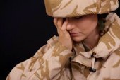 La soldatessa non ce la fa